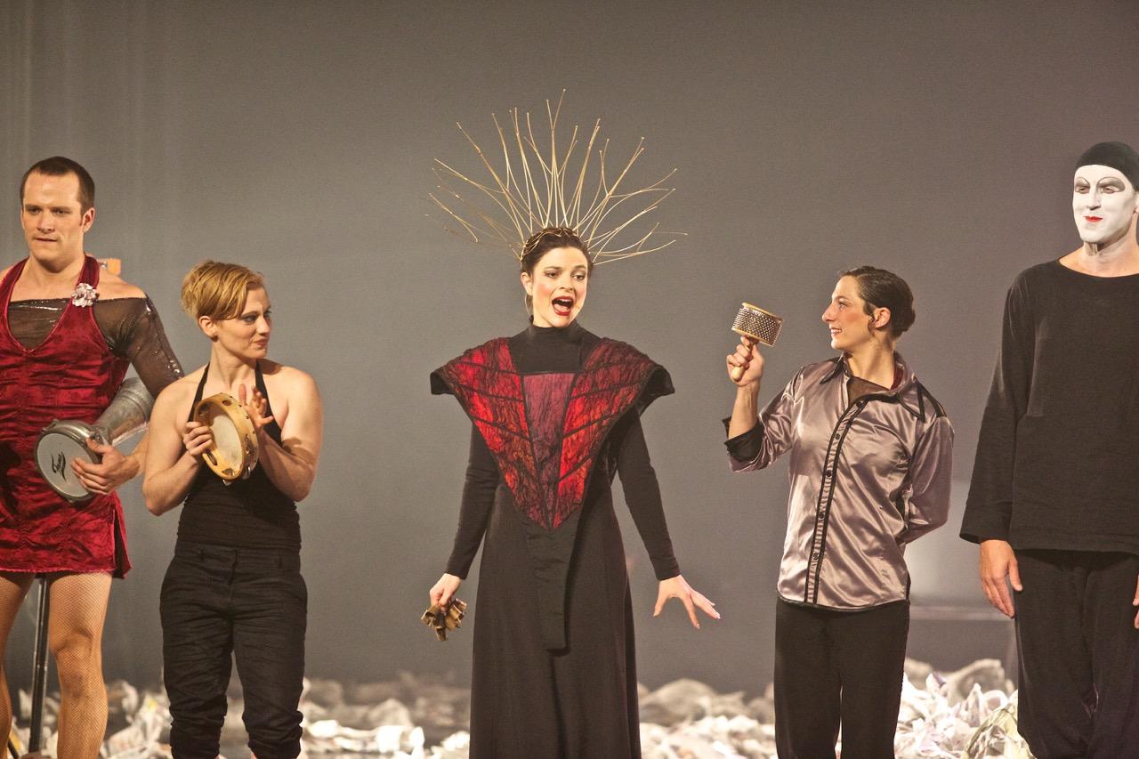 131217 Cirque Bouffon Solvo@ La Salamandre Bords 2 scènes Vitry (443)